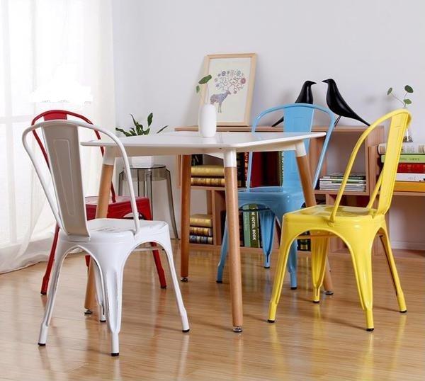 Bộ bàn ghế ăn 80x80cm + 4 ghế tolix