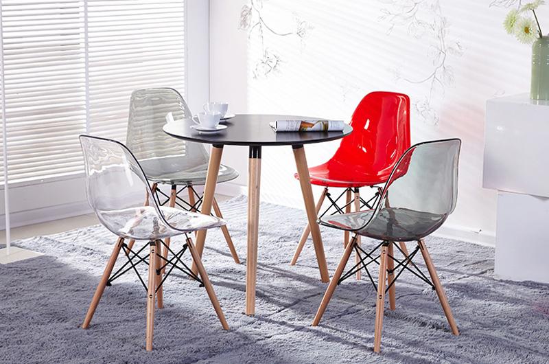 Bộ bàn tròn 70cm + 4 ghế Eames trong xuốt