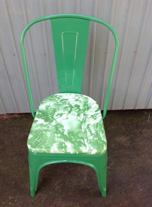 Ghế tolix nệm gỗ sơn giả đá KG – 02