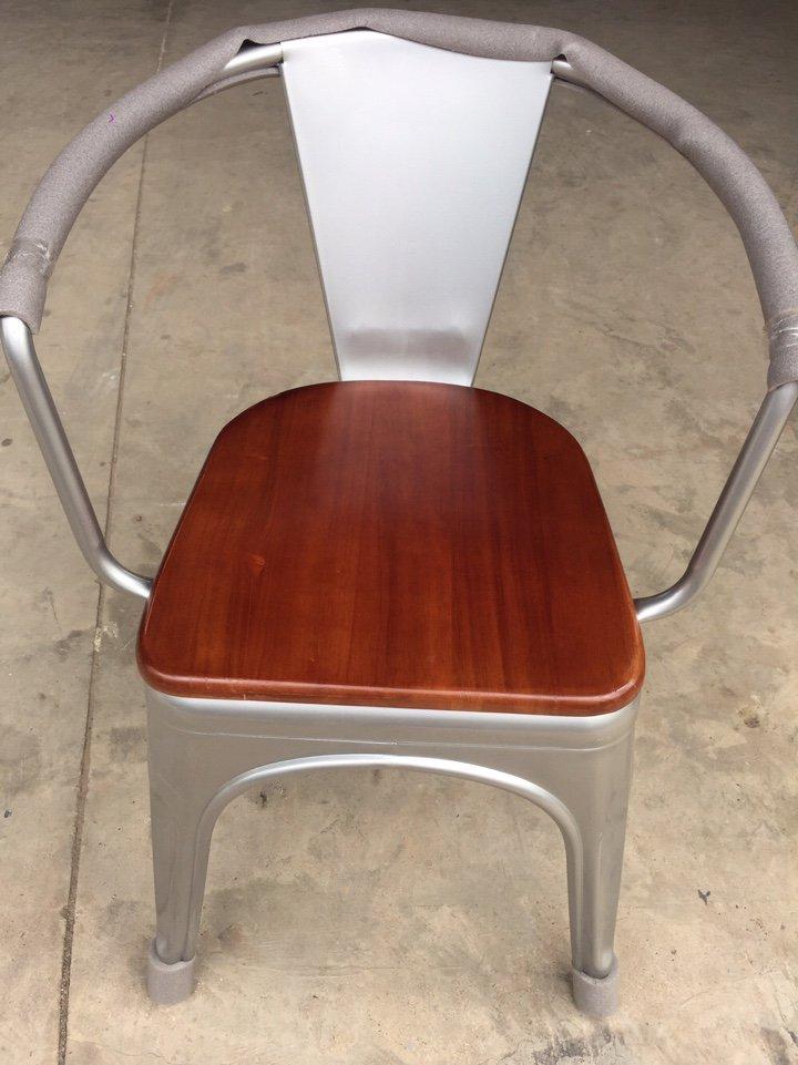Ghế toilix có tay nệm ngồi gỗ KG -03