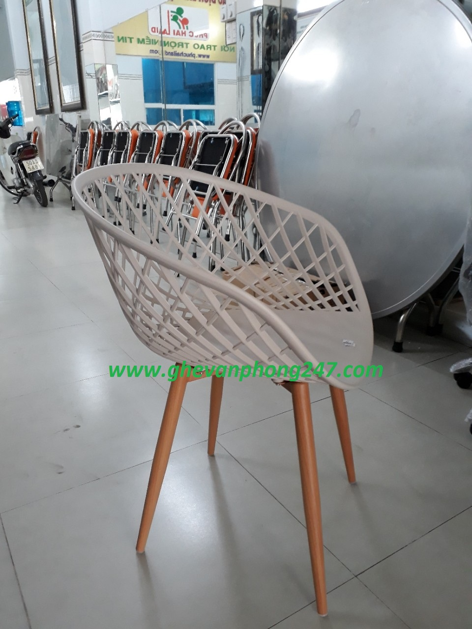 Ghế cafe ghế ăn nhựa đẹp chân thép sơn tĩnh điện KG-219