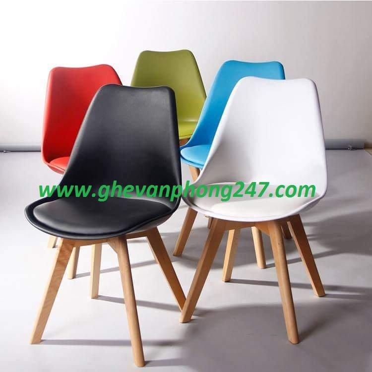 Ghế cafe, ghế ăn nhựa lót nệm chân gỗ KG-191