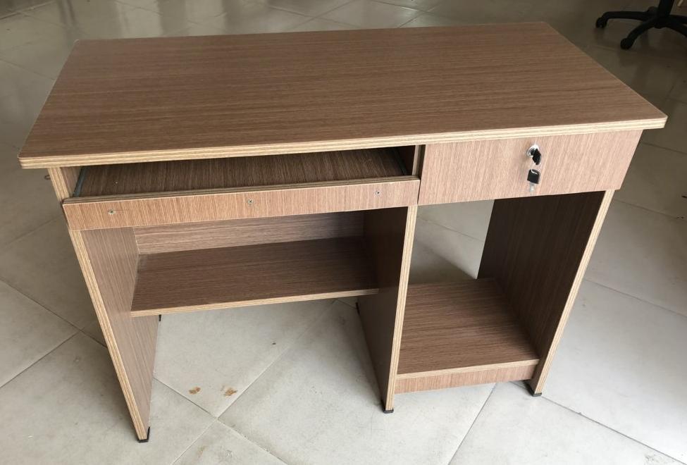 Bàn vi tính gỗ OKAL giá rẻ – Mã : OKAL