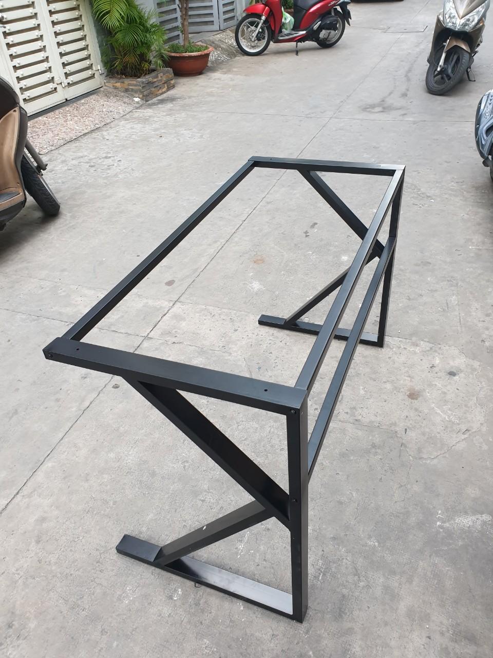 Khung bàn chân sắt chữ K : KBS – 120