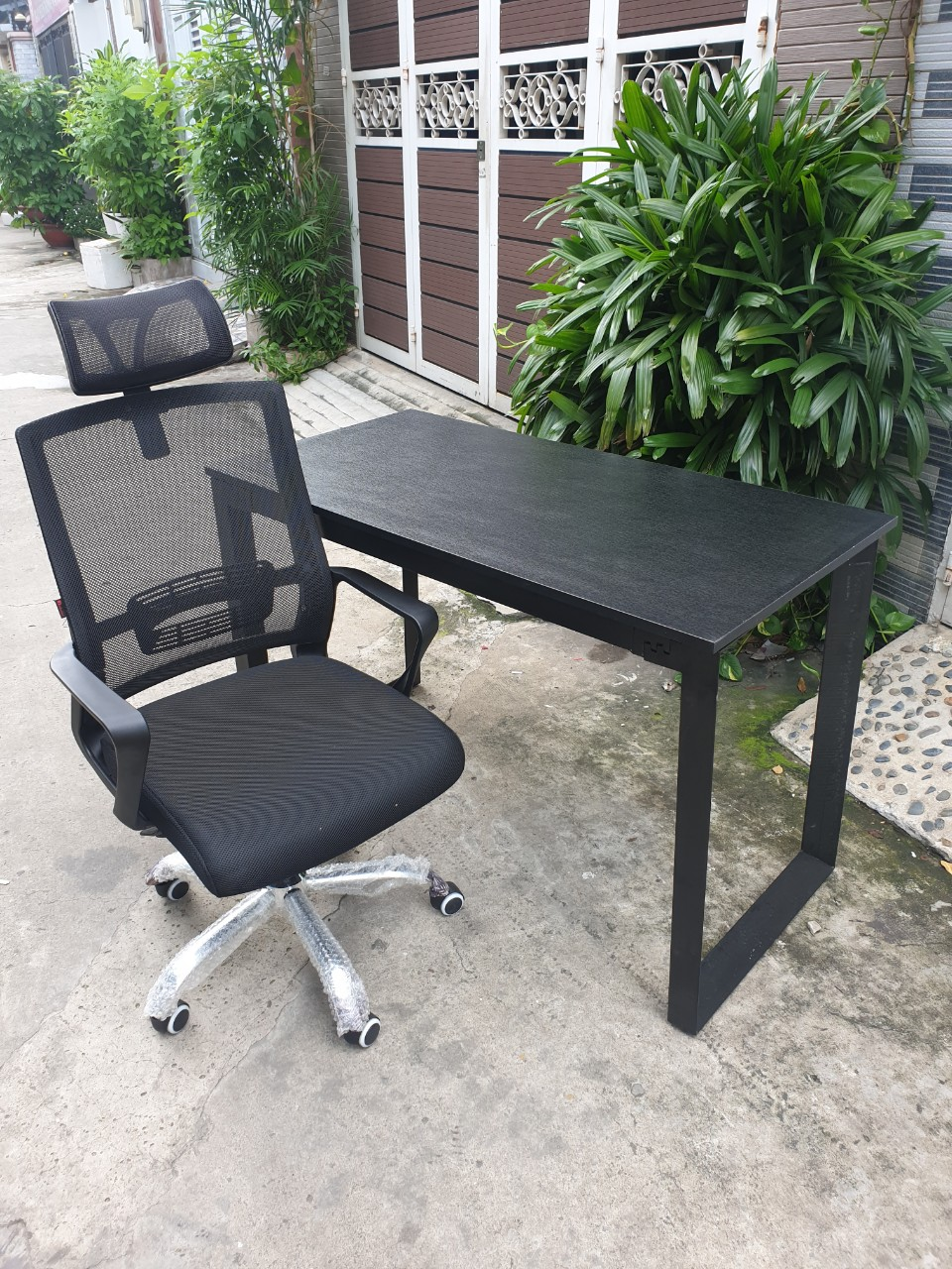 Bộ bàn ghế chân sắt tam giác : Combo – 2