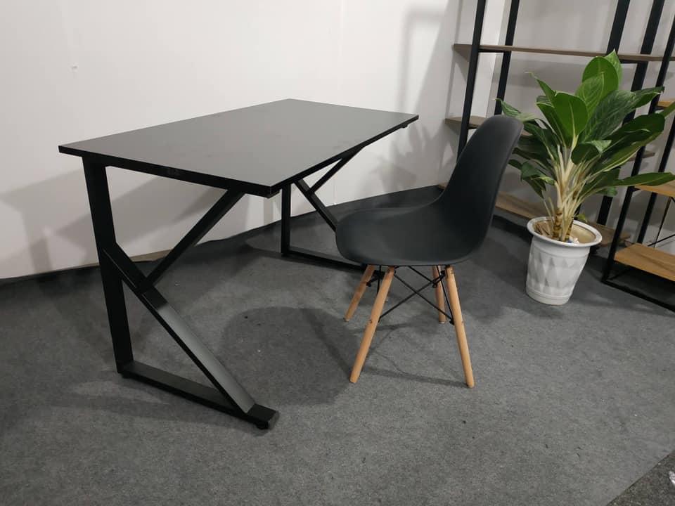 Bộ bàn ghế chân sắt K + ghế eames : Combo – 2