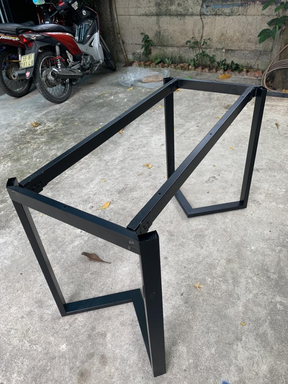 Chân bàn sắt sơn tĩnh điện lắp ráp : V002