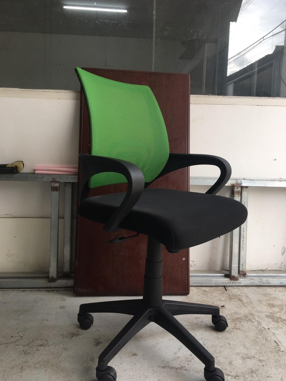 Ghế văn phòng lưng lưới nệm dầy chân nhựa cao cấp : KG – 112-1