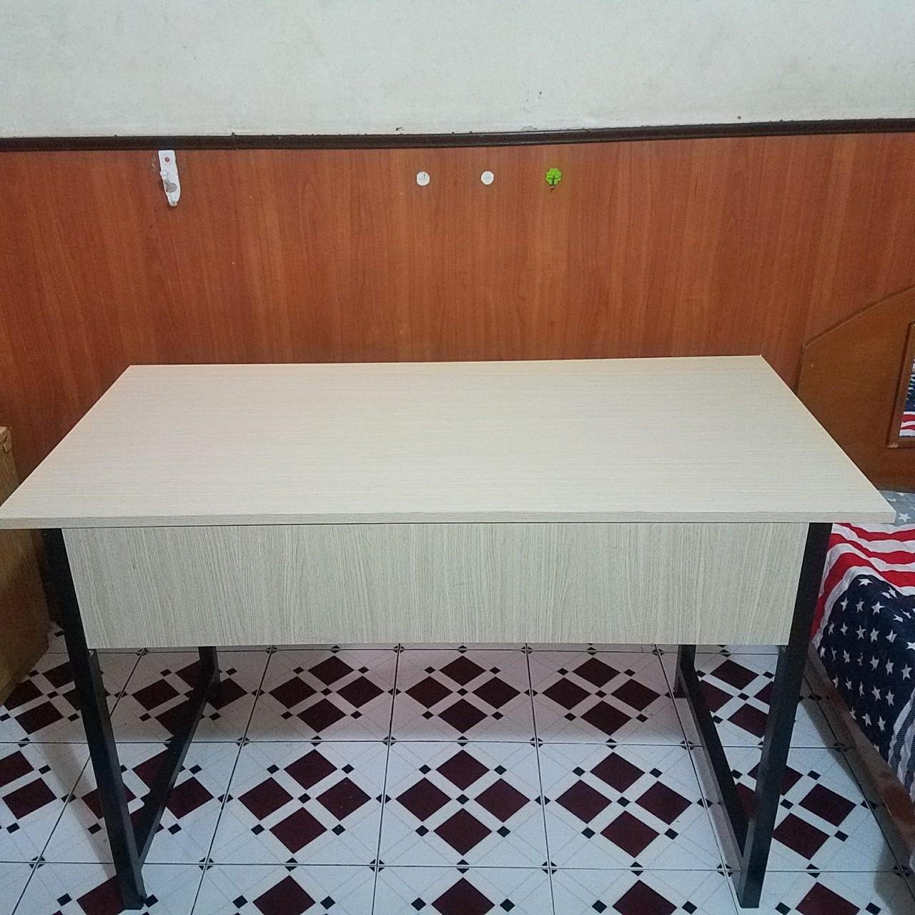 Bàn văn phòng chân sắt giá rẻ 1m2x60 : BVS – 1260