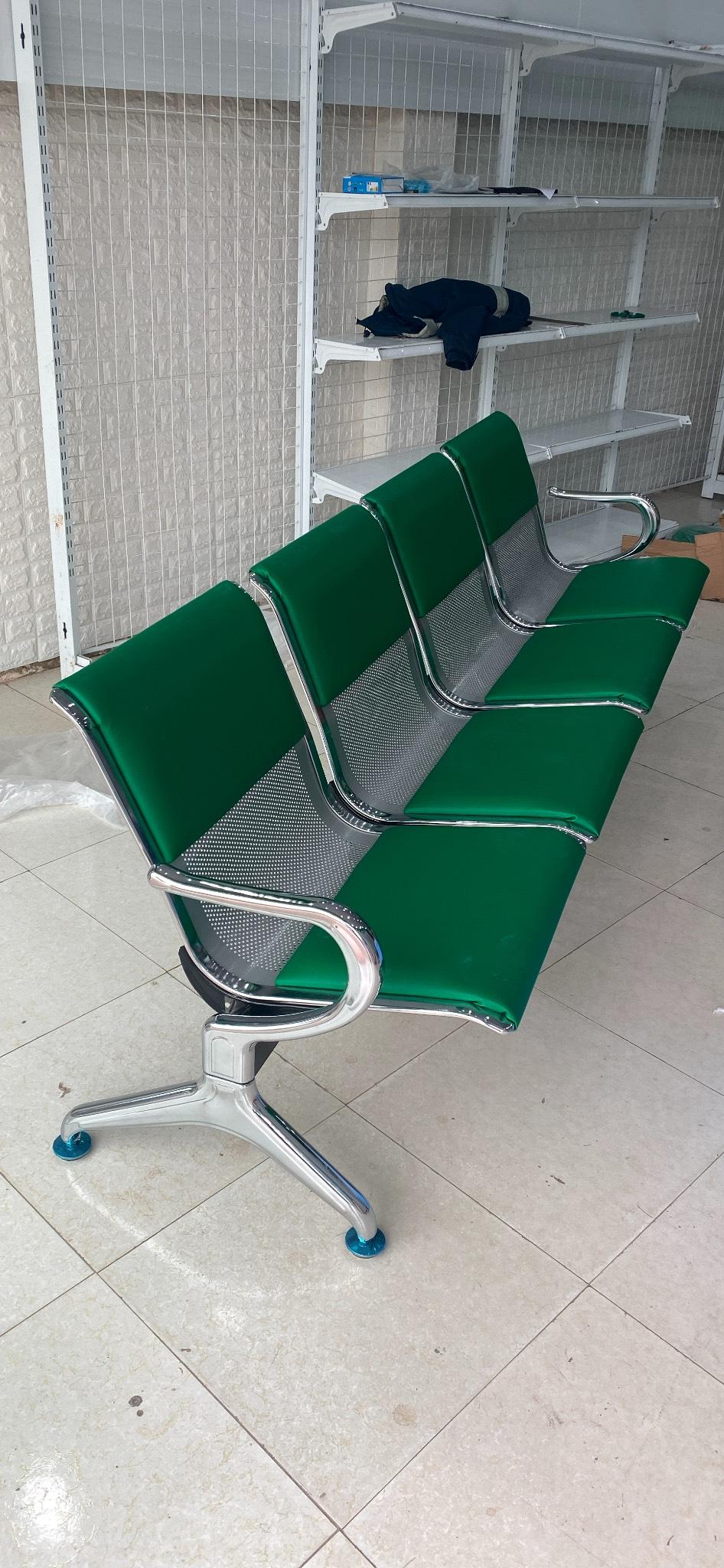 Ghế phòng chờ 4 chỗ bọc nệm hình thực tế : KG – PC04