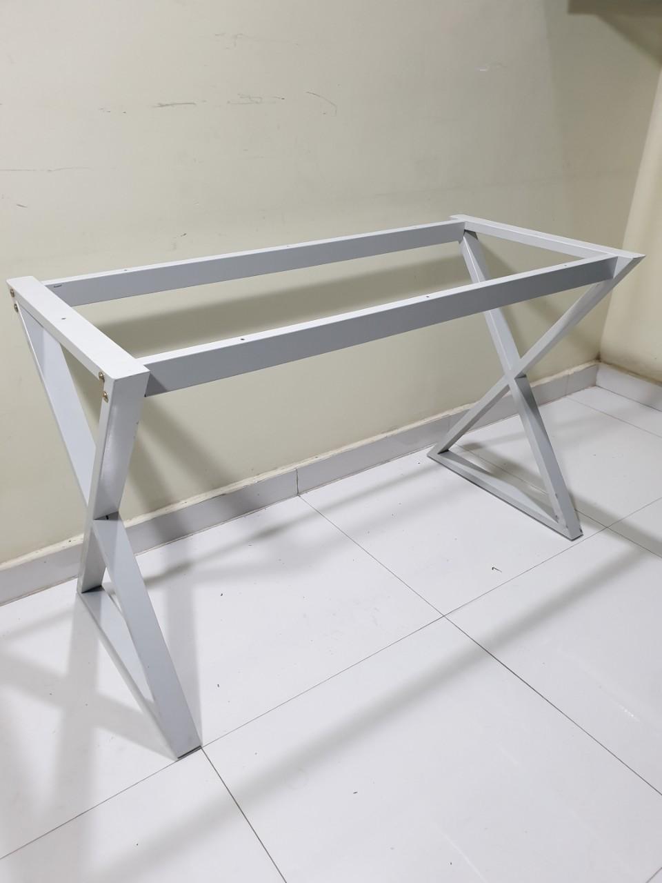 Chân bàn văn phòng X sắt vuông 25×50 lắp ráp : BX120
