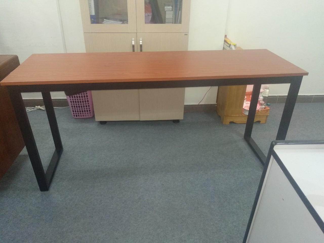 Bàn văn phòng chân sắt khung lắp ráp 1m6 x 60 : KG – S160