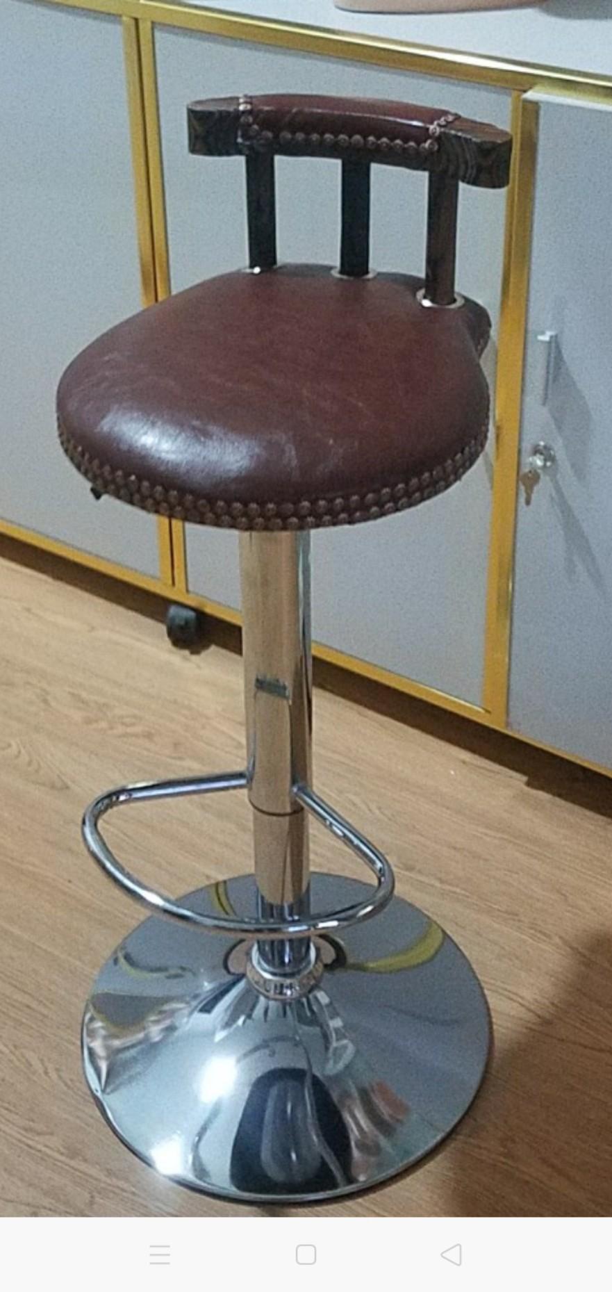 Ghế quầy bar chân sắt nệm ngồi phòng cach cổ điển : KG – 248B