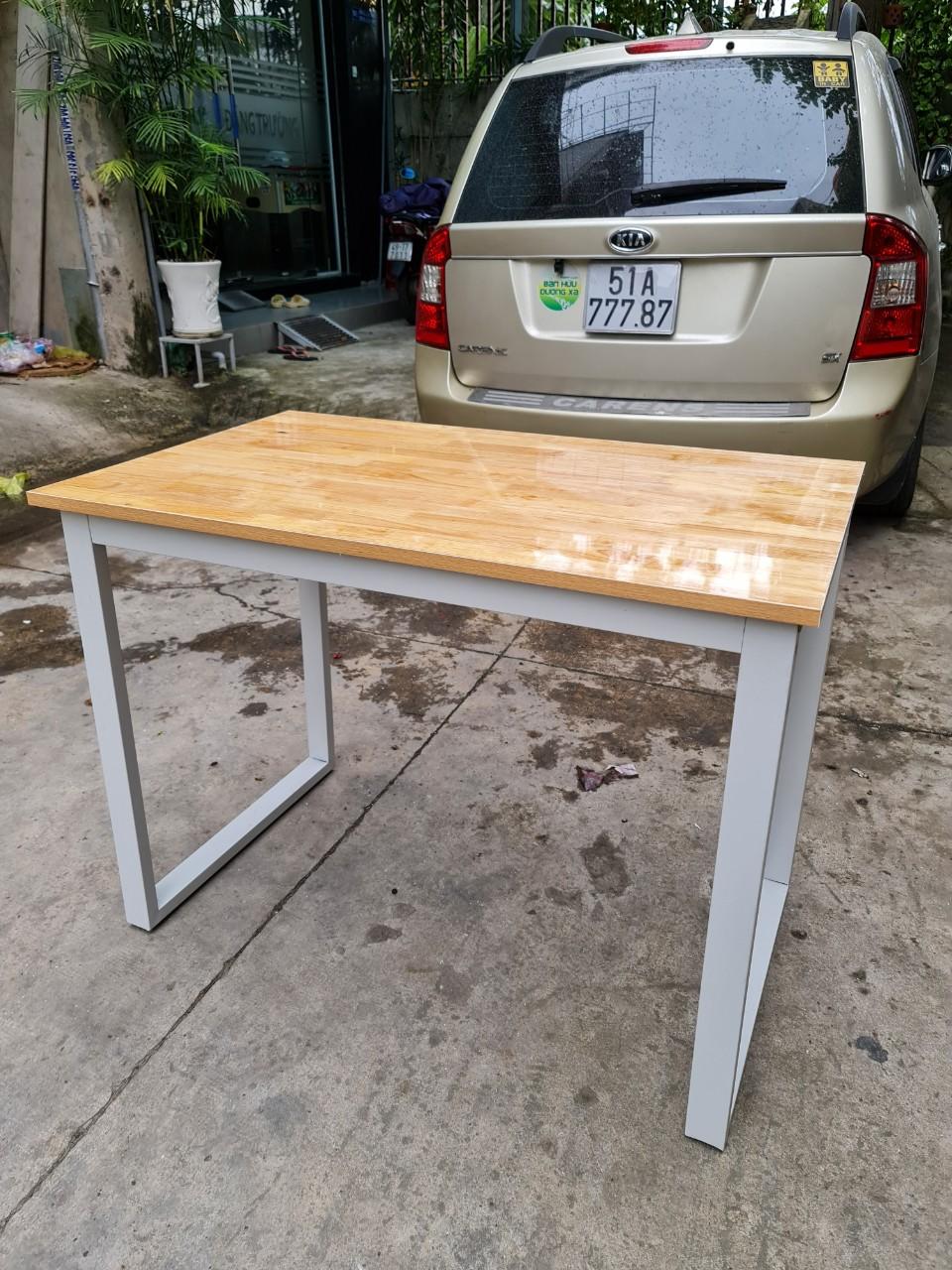 Bàn chân sắt 2 x 5 mặt gỗ phủ bóng 2 mặt : BCS – 1060